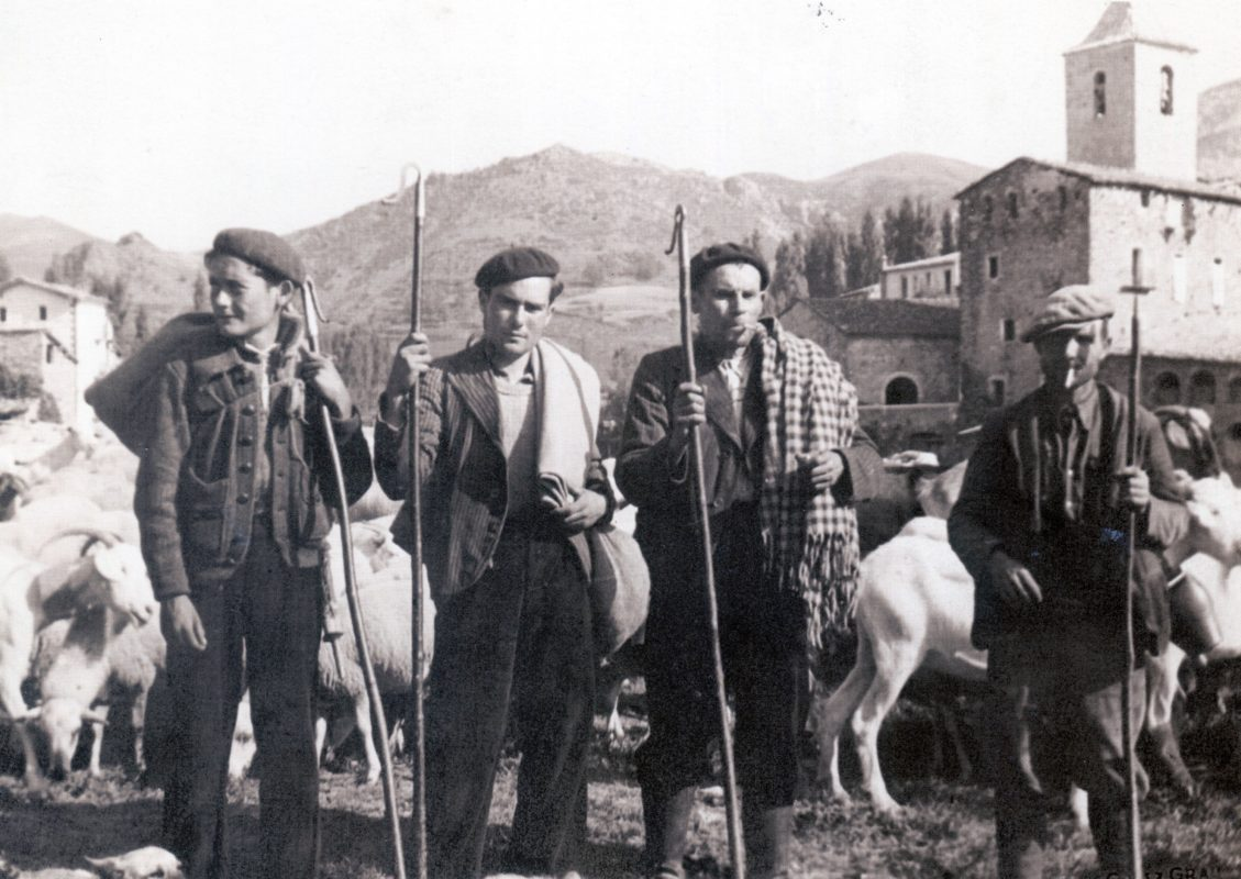 Pastores con el Tapabocas en 1942
