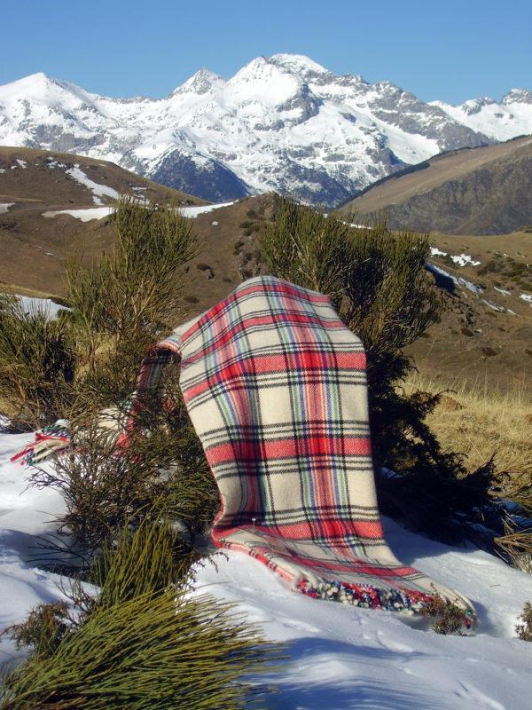 Manta de Lana Aigüestortes sobre nieve