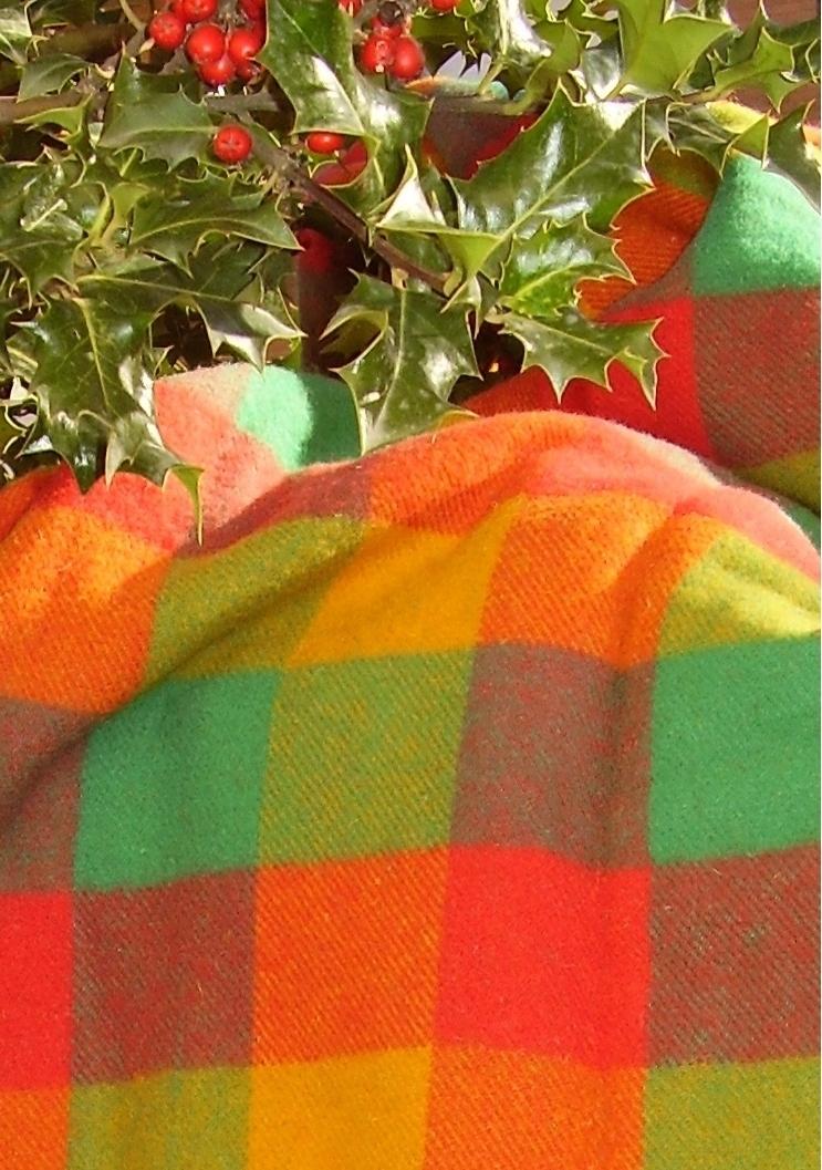Manta de lana llubriqueto artesan a en mantas de lana for Mantas de lana de colores