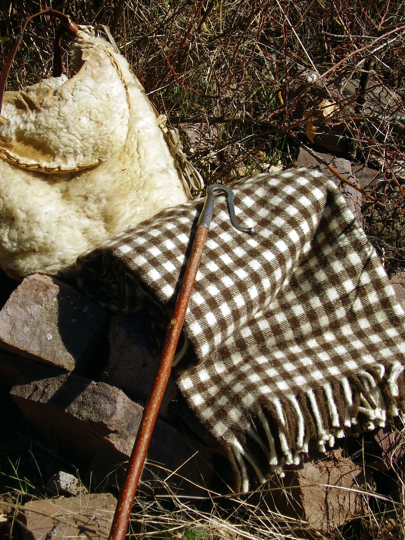 Manta de lana ribagorza artesan a en mantas de lana for Mantas de lana de colores
