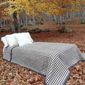 Manta de lana para cama modelo RIbagorza